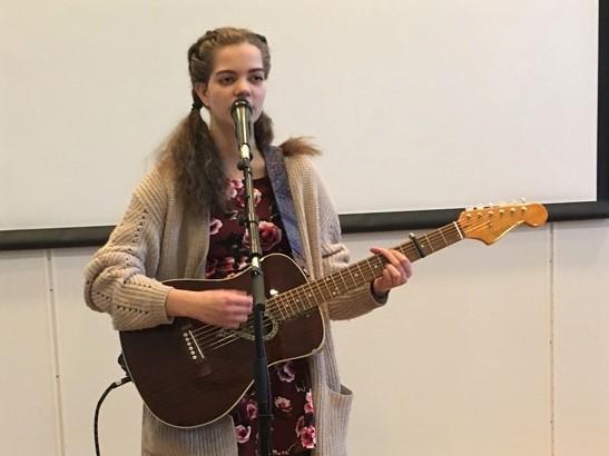 Linn Isabel får drømmetreffstøtte til pianokjøp